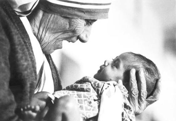 How Mothers Can Change the World: 7 Ways From Mother Teresa